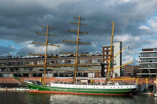 bremen europahafen segelschiff alexander von humboldt