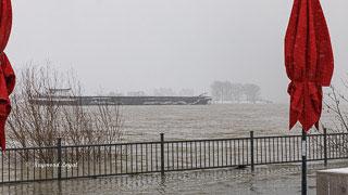 schiff rhein fluss wasser hochwasser landschaft himmel