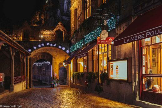 mont saint-michel village cobblestone street