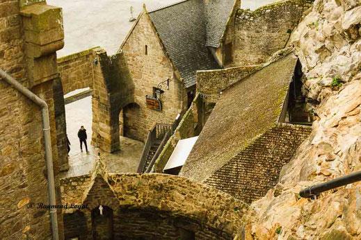 porte de l avancee mont saint-michel
