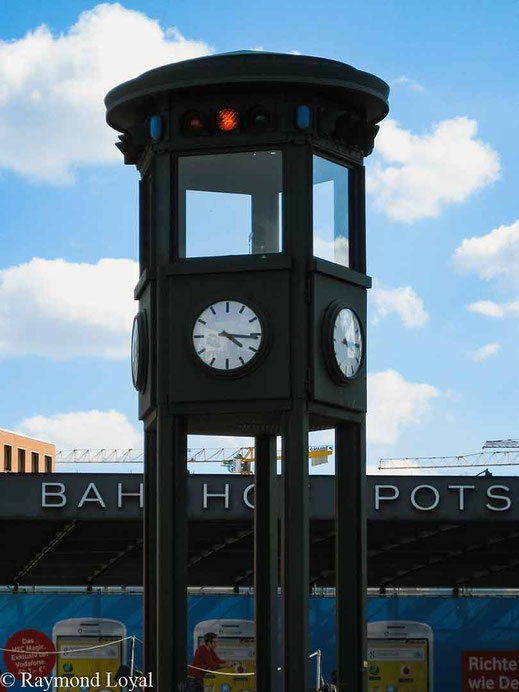 berlin potsdamer platz historic clock