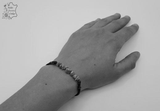 Création artisanale atelier passions indigo bracelet PIERROT cuir bijou colorée