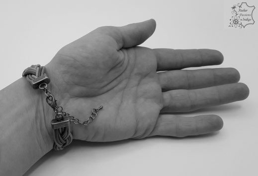 Création artisanale atelier passions indigo bracelet COLOMBINE femme cuir bijou colorée