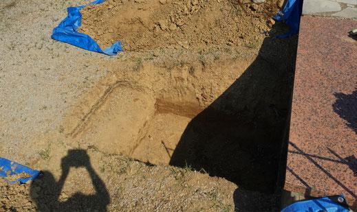 cimetiere-concession-achat-fosse-pleine-terre-caveau-habillage-granit-marbre-tombale-stele