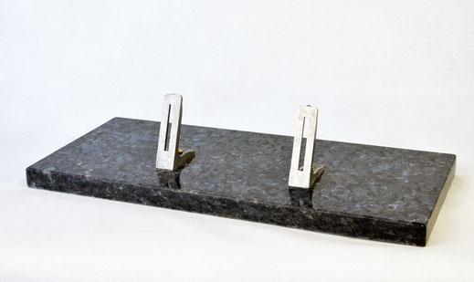 socle-plaque-funeraire-granit-marbre-livre-coeur