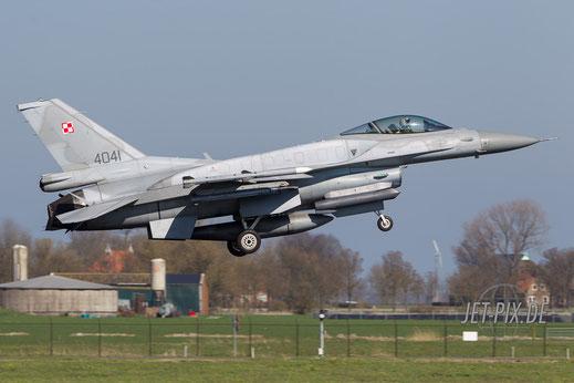 Friesland F16 von der schönsten Seite