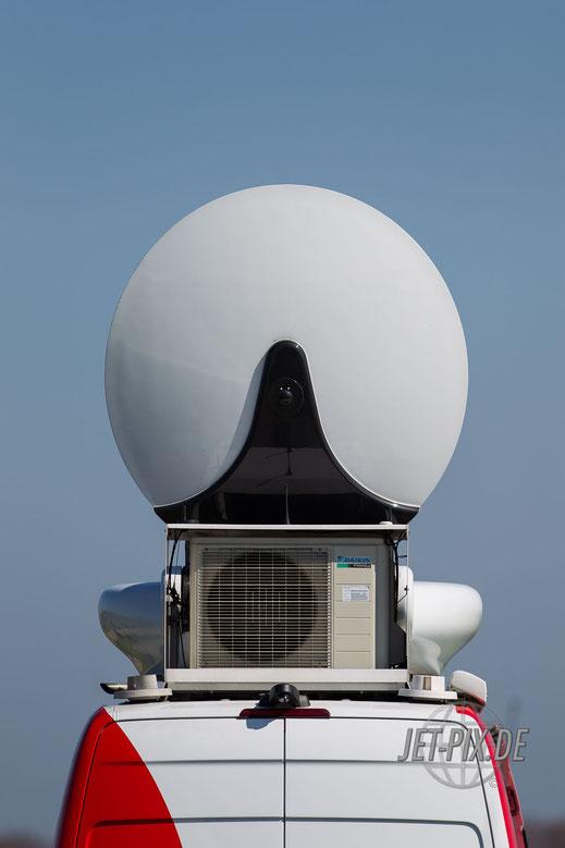 Übertragungswagen Nachrichten vor Ort