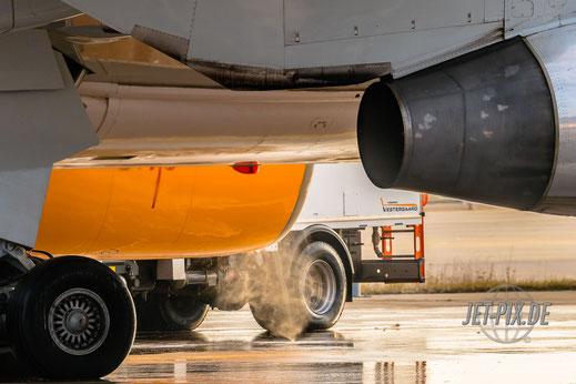 De-Icing Condor Boeing 767 Startbahn West 18 tolles Wetter