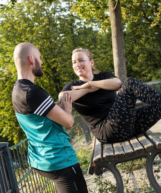 Fitnesscoach trainiert in Berlin Mitte