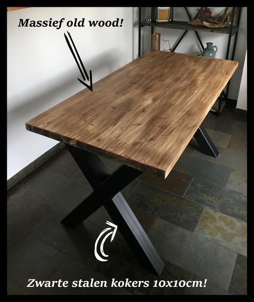Eettafel van staal en hout