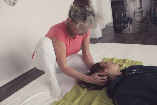 Shiatsu Therapie bei MAYA LANG, Gesundheitspraxis Lenzburg