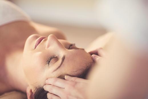 Kopfmassage, Nackenmassage bei Kopfweh und Migräne, MAYA LANG, Gesundheitspraxis Lenzburg