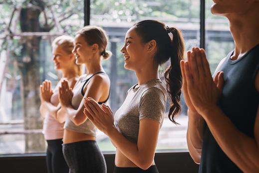 Yoga for Teens mit Lucia, gratis online Lektion