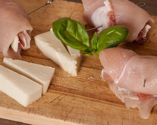 chicken saltimbocca italian tuscany maremma receipt recipe prosciutto goat goat's cheese