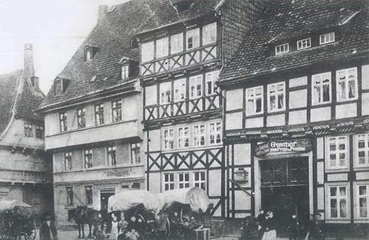 """Gröperstraße Gasthof """"Prinz v. Preußen"""" um 1910."""