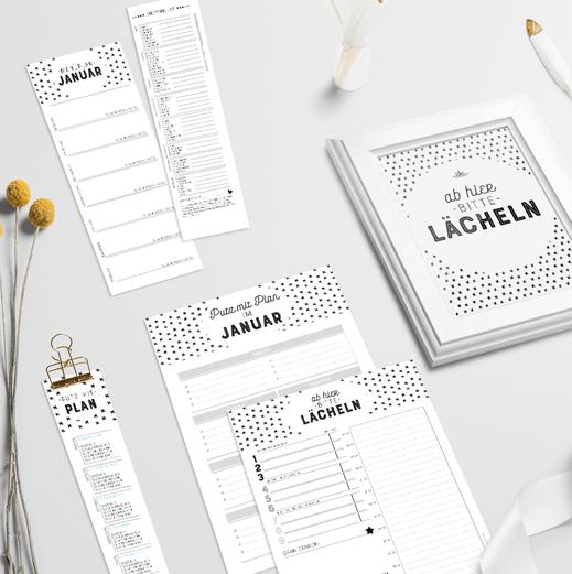 Haushaltsorganisation wird jetzt einfach schöner: umfangreiche Checklisten unterstützen dich dabei, deinen Haushalt sauber und aufgeräumt zu halten. www.die-kleine-designerei.com