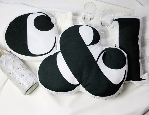 Buchstabenkissen zum Selbernähen, eine tolle Idee als Hochzeitsgeschenk