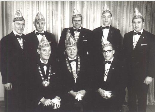 hinten v.l.n.r. Mathias Rhein, Heinrich Kipp, Hans Land, Heinz Feuser, Hans Korpol vorne v.l.n.r. Wilhelm Greven, Jupp Decker, Joseph Decker sen.
