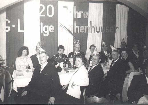 20-jähriges Jubiläum 1959 hintere Reihe: Gerda Quirl, Hans Theimed, Resi Decker, Jupp Decker Maria Decker, Joseph Decker se. vordere Reihe: Alois Pallus, Mathilde Pallus, Kurt Eschweiler, Georg Krowiorsch