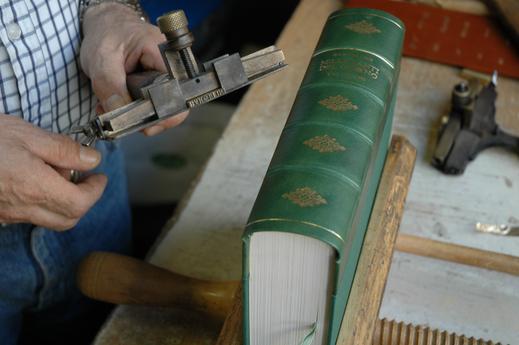 History - Conti Borbone - Hand print preparation