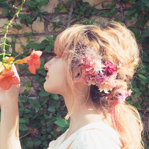 結婚式のヘッドドレス・髪飾り・ヘアアクセサリー・花冠をブーケと合わせて