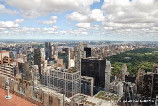 Blick vom Rockefeller-Center Richtung Central Park und auf Hochhäuser