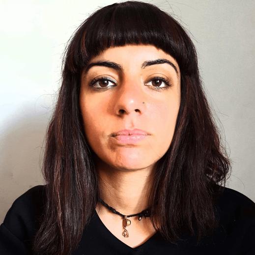 Valentina Napoletano, autrice di Pegaso per la raccolta A porte chiuse