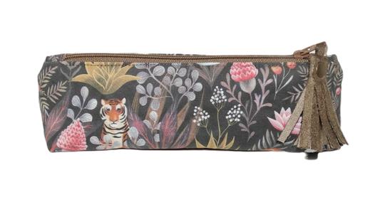 petite trousse triangulaire femme fourre-tout pochette à maquillage tissu gris foncé jungle tigre félin suédine taupe pompon pratique original cadeau femme Noël