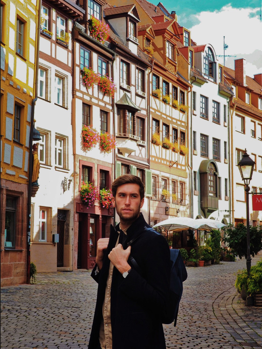 Thomas posing in the Weissgerbergasse