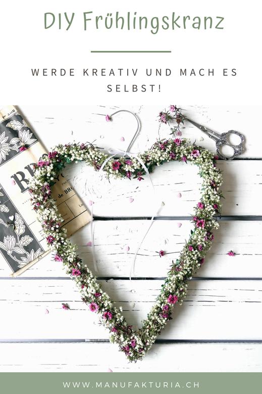 Bunter Herz Blumenkranz aus Drahtkleiderbügel DIY