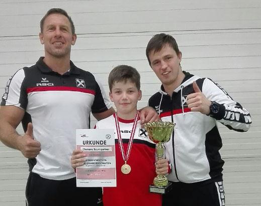 Thomas Krug und Daniel Heiß freuten sich mit Clemens