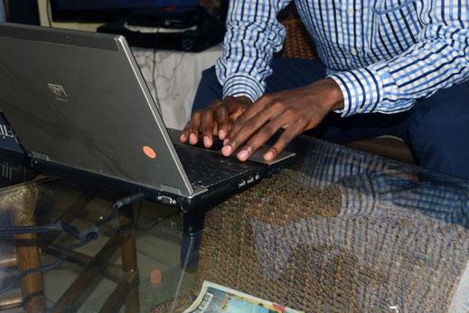 image à la une_les métiters du web au Cameroun_rédaction web_inbound361_Paul Emmanuel NDJENG