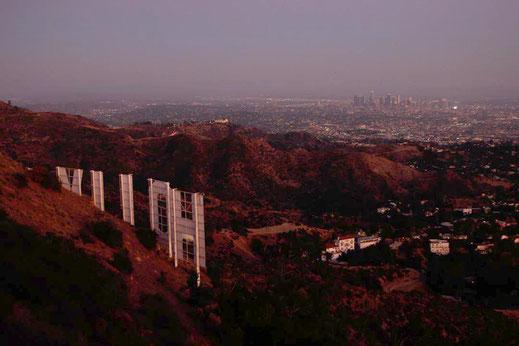 Nachts am Hollywood Sign, Los Angeles bei Nacht, die schönsten Aussichtspunkte am Hollywood Sign