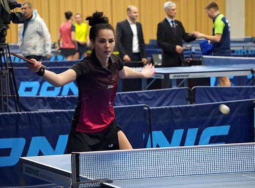 Olena Nalisnikovska schlägt in der neuen Saison für die 1. Damenmannschaft des TSV Schwarzenbek auf.