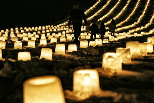 写真が撮りたくて初めてこの灯々祭に足を運んでみました。皆で作り上げる雪の幻想的世界に寒さの中、心が暖かくなりました。お疲れ様でした。