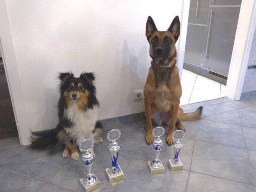 Josy & Indy mit ihrer Wochenend-Turnierausbeute