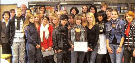 Schüler mit DELF-Zertifikaten