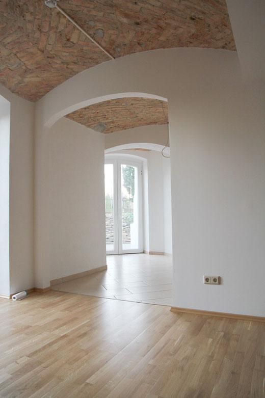 Helle Wohnung mit Gewölbedecke im Kellergeschoss