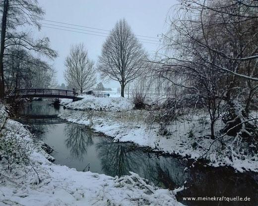 Bach im Schnee, Schneelandschaft, Winderlandschaft, Kraftquelle Schnee