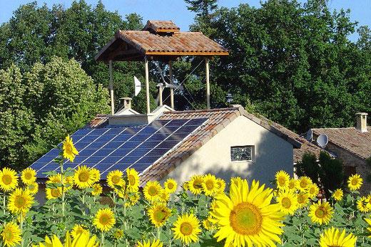 Éolienne et photovoltaïques