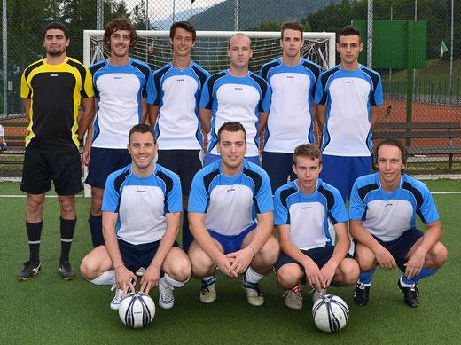 In alto a sx: Mariotti, Pedergnana, Franzoi, Alessandro Nardelli, Pilati, Delucca. In basso a sx: Valenti, Marco Nardelli, Girardi, Tait