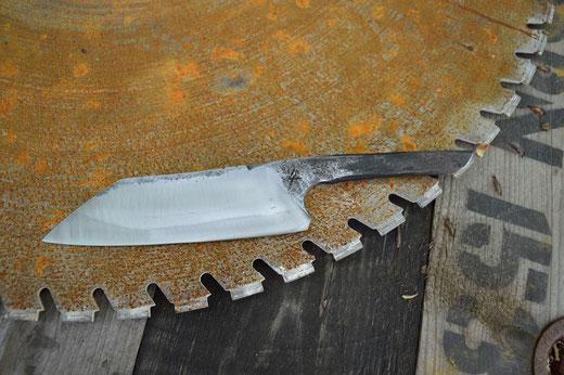 Cuisine 49 Santoku Brut De Forge Xc75 La Forge Du Serpent
