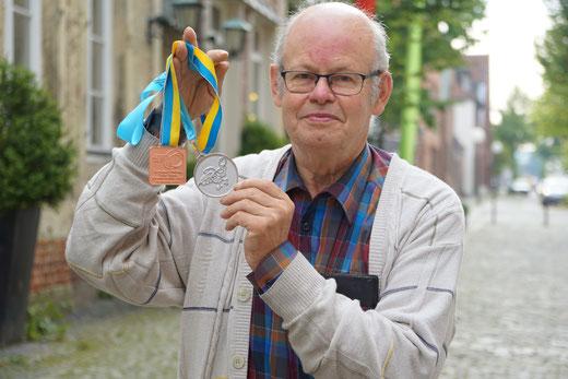 Hermann Nabbefeld lebt für den Tischtennis, er durfte in seinem Leben auf Bundesebene und auch international viele Erfolge feiern und ist ein großes Vorbild für den Tischtennis-Nachwuchs
