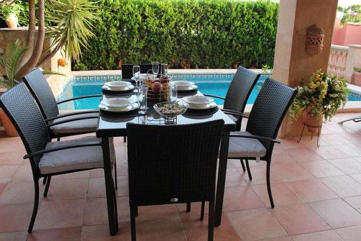 Mallorca, Bahia Grande, Villa Hibiscus, Terrasse und Pool
