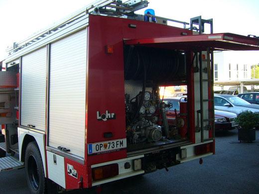FF Deutsch Gerisdorf- Umbau-Blaulichtbalken-Blitzer-Atemschutz-Funk 2m Band- Div. Ablagefächer