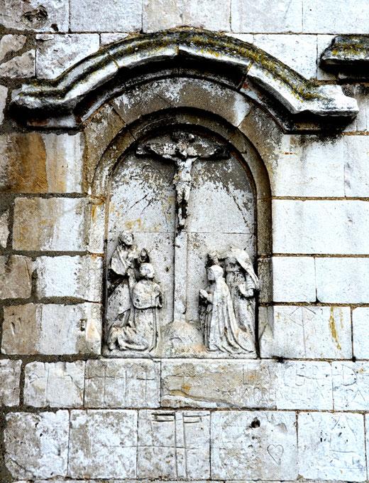 Sur les murs de l'église de Warlus- Photo: Rémy Godbert