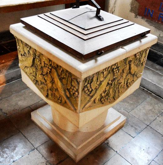 Les fonts baptismaux de l'église de Pys