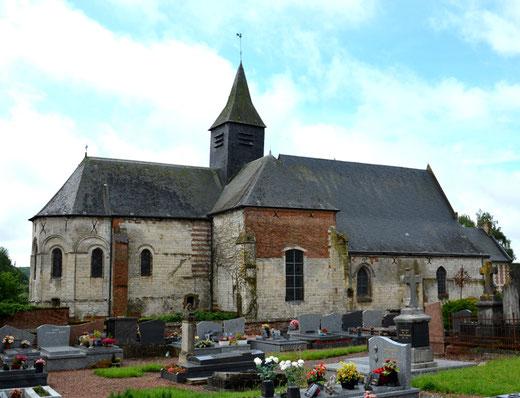 Eglise de Lucheux vue du cimetière