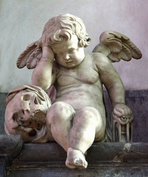 Le célèbre ange pleureur est un élément du monument funéraire de Guillain Lucas