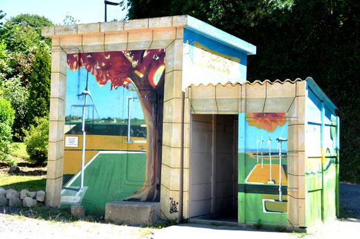 St-Quentin-Lamotte: fresque EDF qui se prolonge sur l'abribus